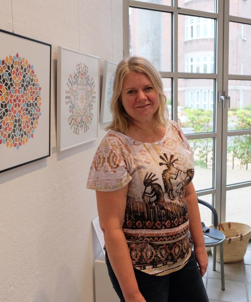 Tina Brandt Jespersen ved udstilling i Kunstbygning Filosoffen, Odense 2018